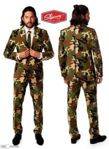 classic-tactical-man-woodland-camo-suit